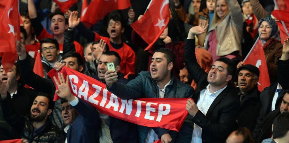 Aumenta tensión en relaciones entre Ankara y Berlín