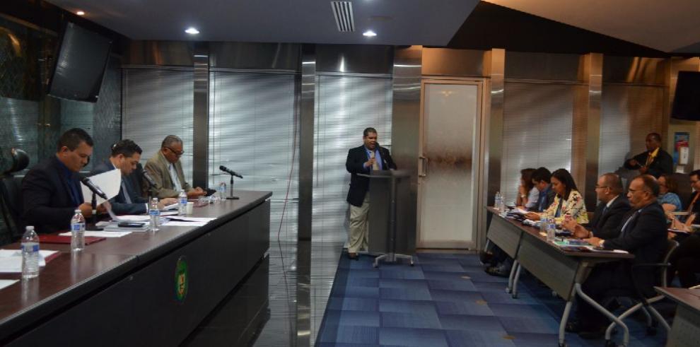 Sesión permanente para debate del proyecto 245