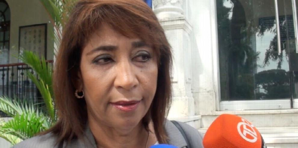 'A J. Lasso no se le abrió investigación, fue a los hechos', Ana Belfon
