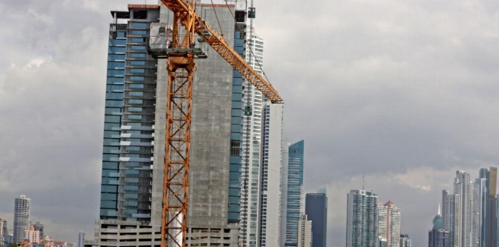 Permisos de construcción crecen 19% hasta abril 2017