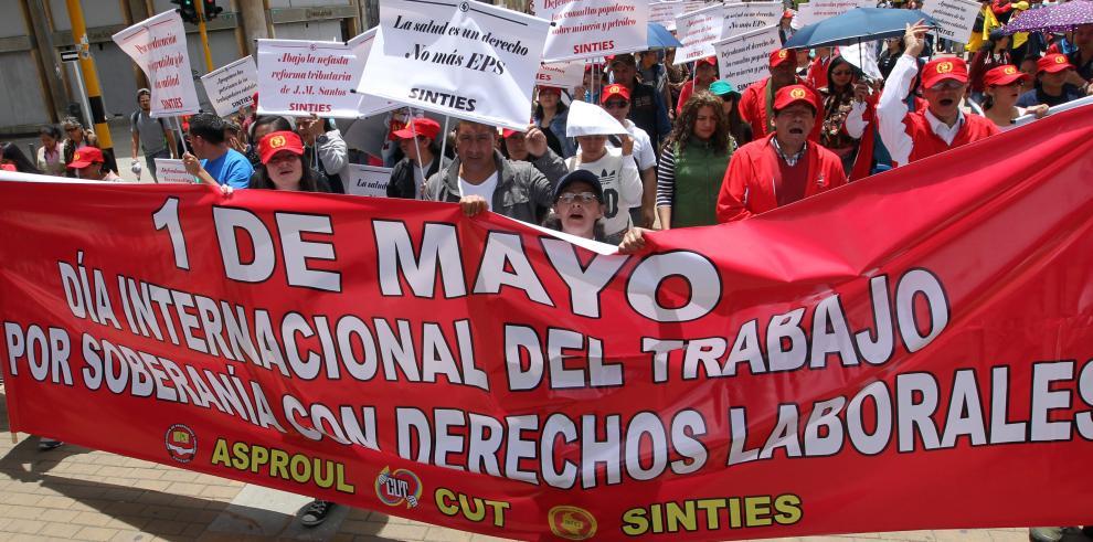 Trabajadores colombianos exigen fin a los asesinatos