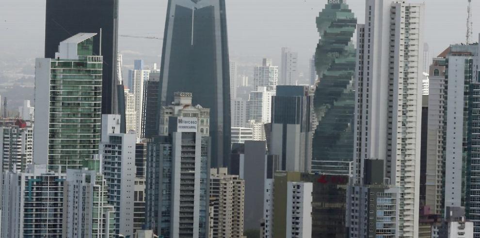 MEF baja crecimiento de la economía de Panamá a 5.5%
