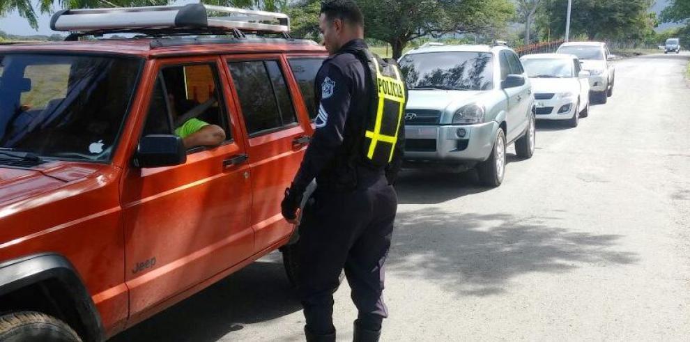 PN y ATTT sancionan a más de mil conductores