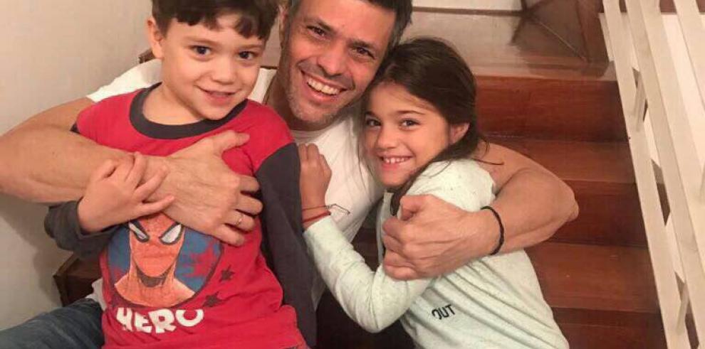 Lilian Tintori agradece a Jorge y Delcy Rodríguez por excarcelación de López