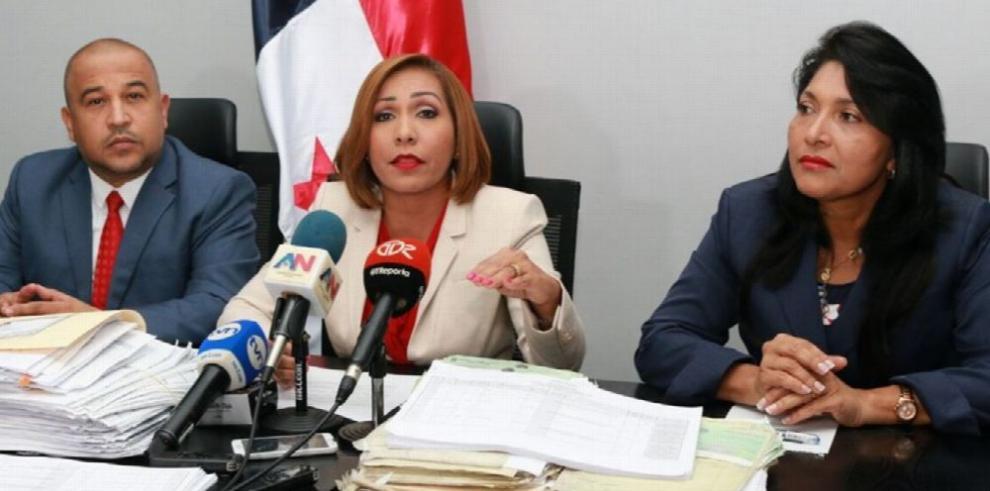 Presidenta de la Asamblea acata fallo y prohíbe donaciones