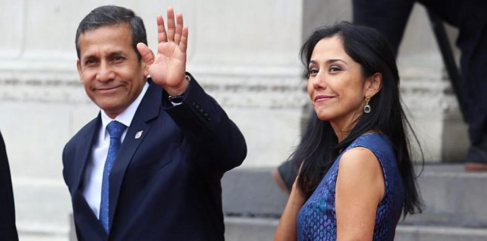 Fiscalía de Perú pide detención para expresidente y exprimera dama