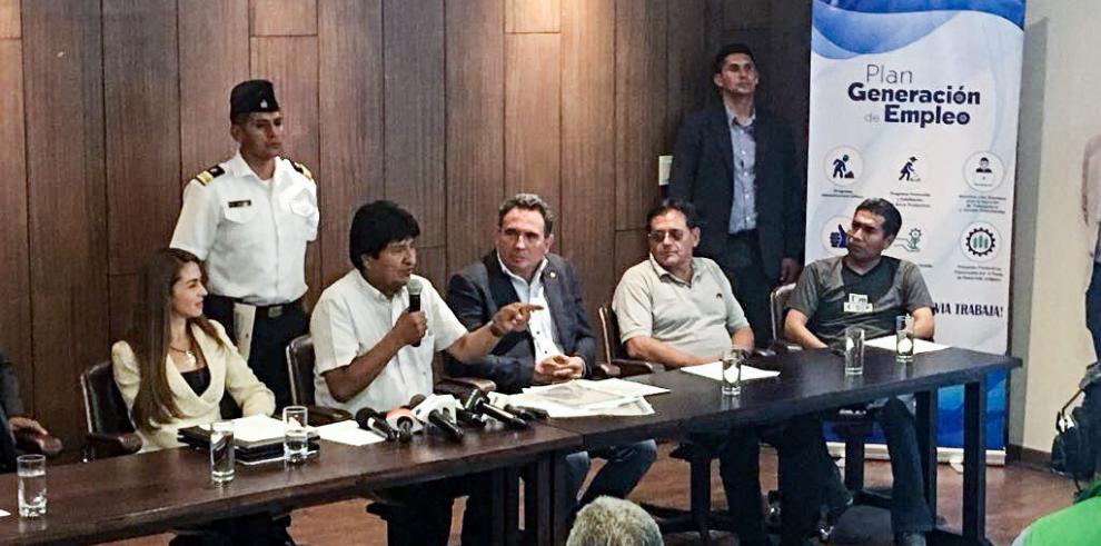 Evo Morales lamenta la suspensión del rescate del submarino argentino
