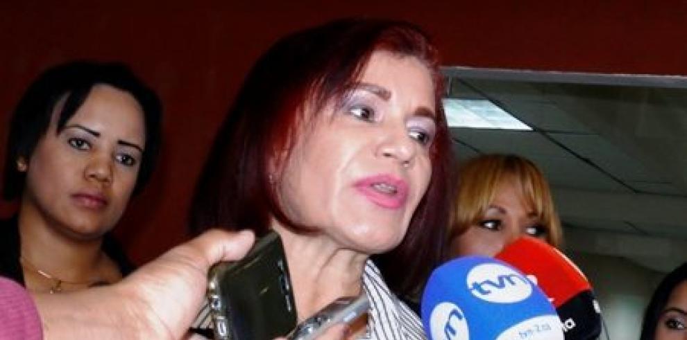 Argentina Barrera presenta su renuncia a la fiscalía