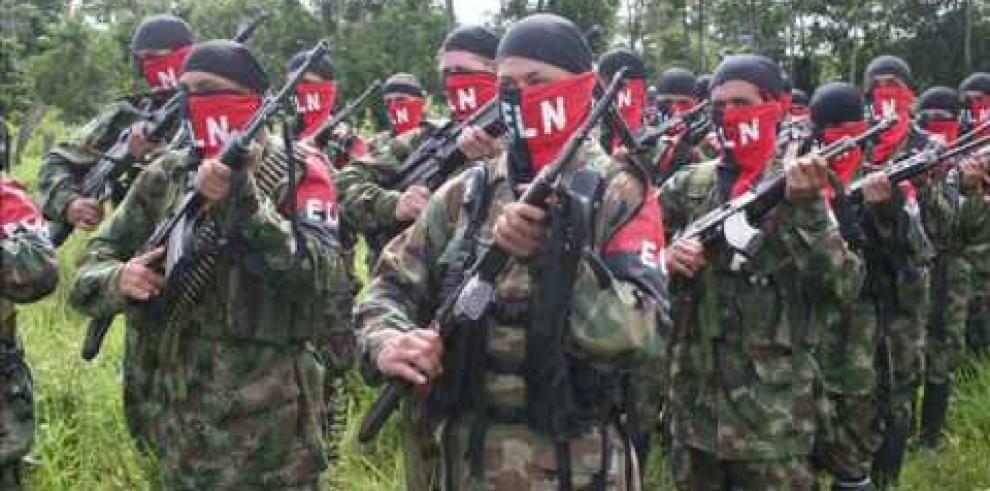 Guerrilla colombiana sería 'estúpida' si no firma la paz, afirma EEUU