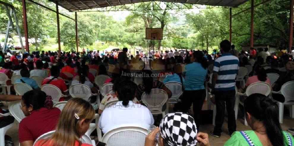Docentes de áreas de difícil acceso y Meduca se reúnen en Soloy