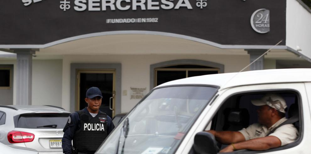 Gobierno panameño permite retirar cadáver de Noriega sin permiso especial