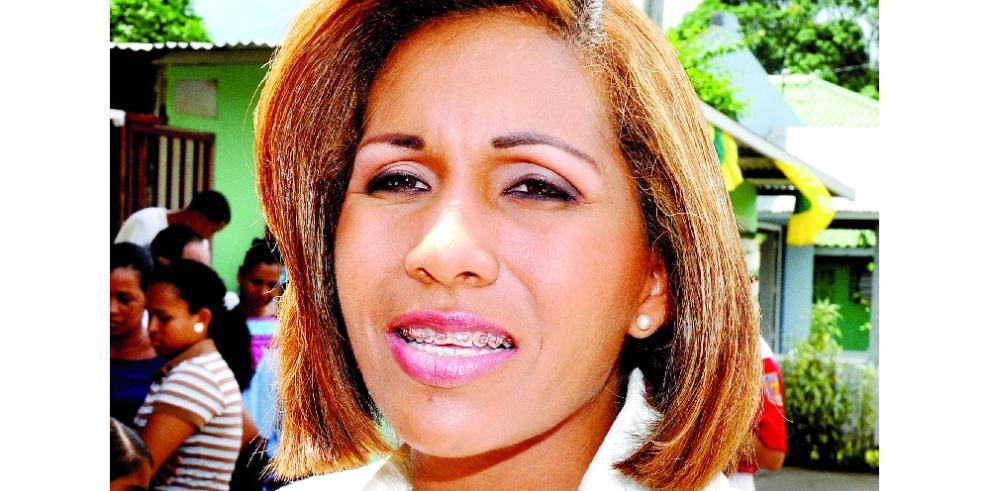 Presidenta de la Asamblea justifica compra de autos para la institución