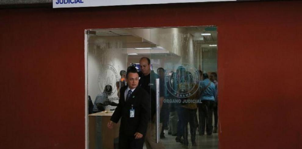 Inicia audiencia contra policías por tentativa de homicidio en Villa Zaita