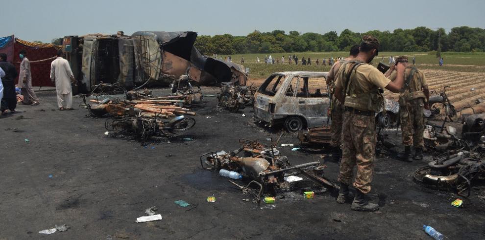 Incendio de camión cisterna deja 143 muertos y 156 heridos en Pakistán