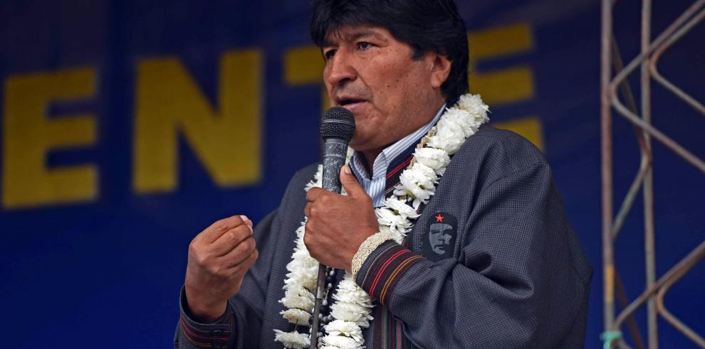 Morales critica
