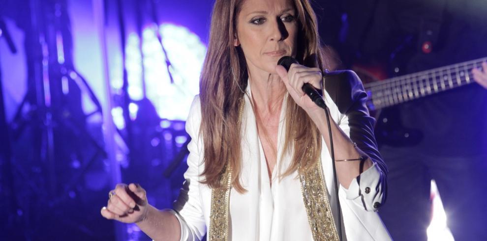Céline Dion casi rompe a lloraren los premios Billboard