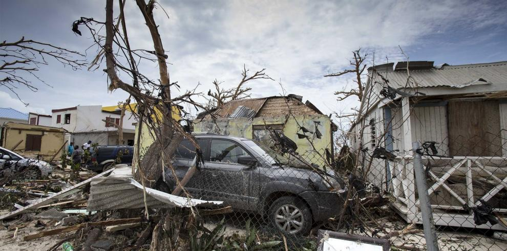 El huracán y el segundo terremoto más fuertes del siglo azotan juntos América