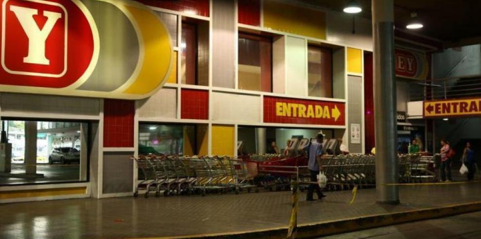 Roban en supermercado Rey de la 12 de Octubre
