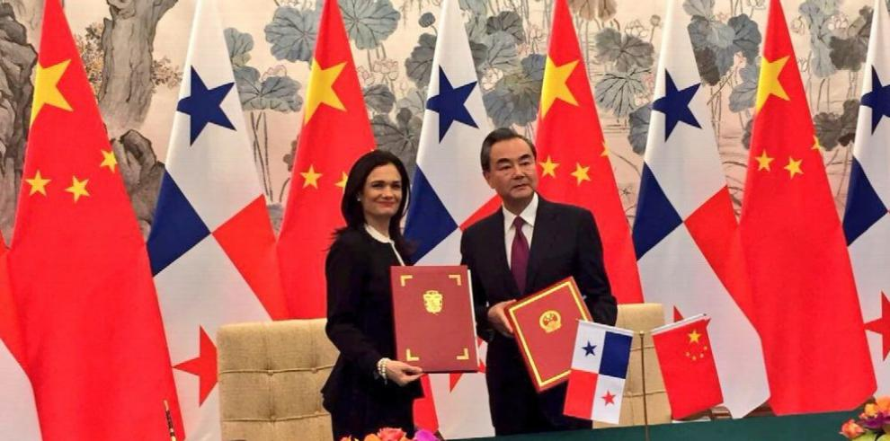 Panamá establece relaciones con China y rompe con Taiwán