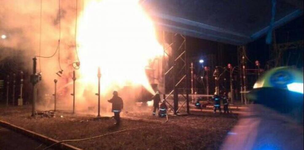 Explosiones en transformadores afectaron suministro de energía