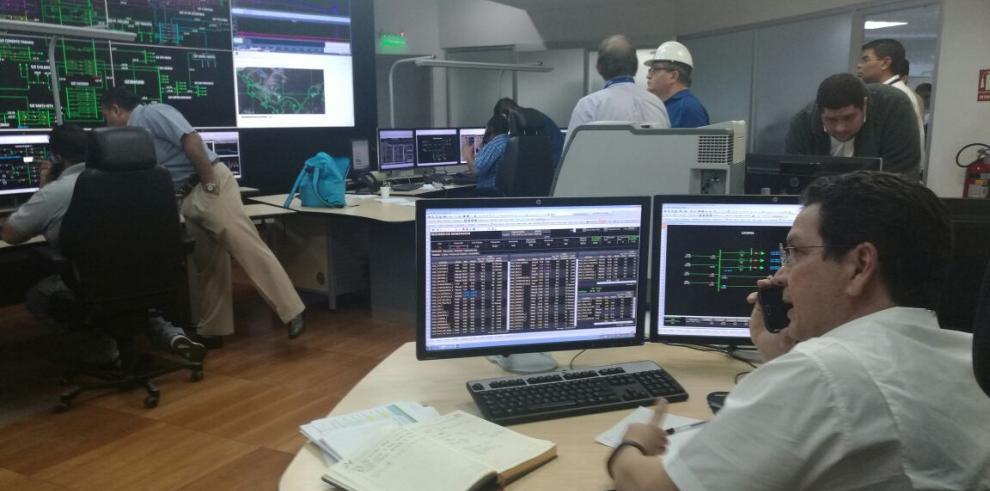 Servicio eléctrico de Panamá recuperado en un 95%