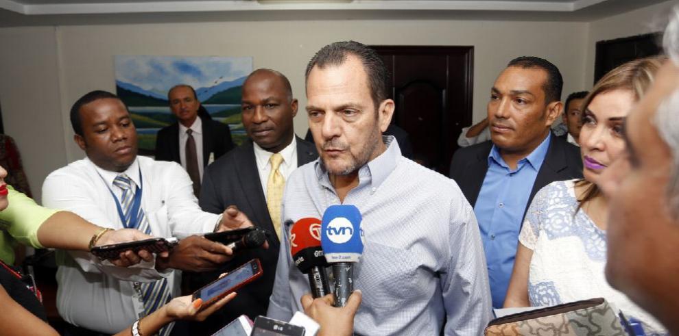 Humbert aplaude fallo de la Corte contra donaciones