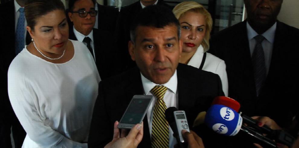 Pleno rechaza solicitud de defensa de Martinelli