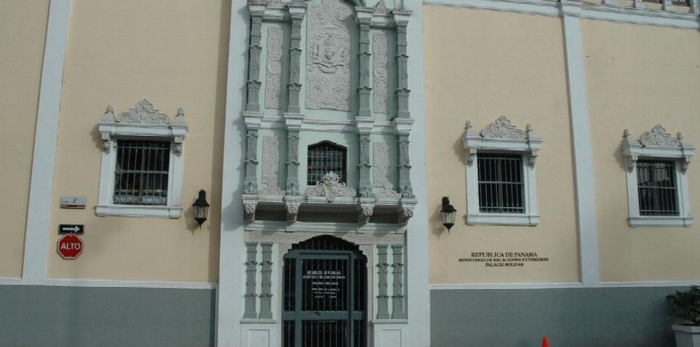 Cancillería investiga a cónsul en Brasil