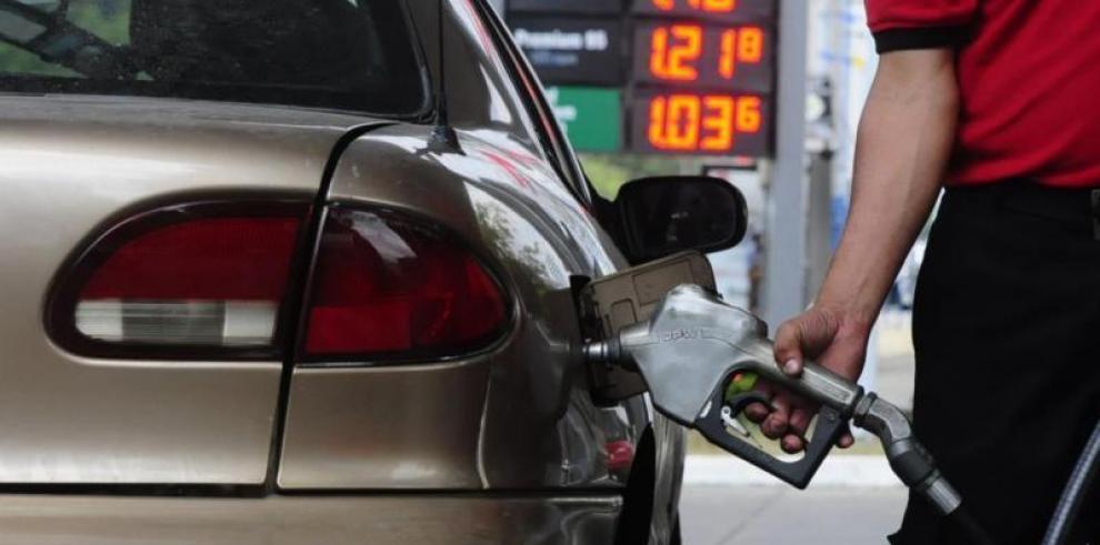 Anuncian nuevos precios del combustible a partir del viernes