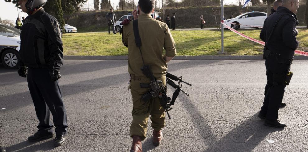 Cuatro muertos en un presunto ataque con un camión en Jerusalén
