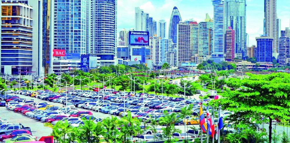 Estacionamientos en la ciudad, ¿solución o paliativo al caos?