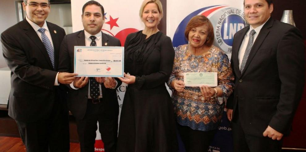 Lotería apoya Manos de Esperanza