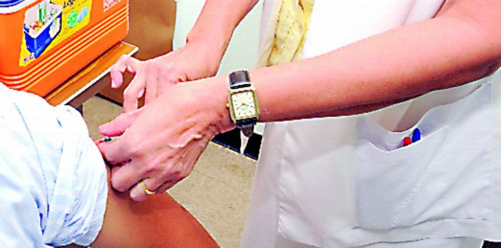 Minsa restringe la vacuna contra la fiebre amarilla