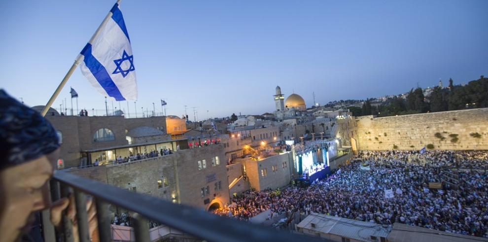 Día de Jerusalén llena la urbe de banderas para afirmar soberanía Israelí