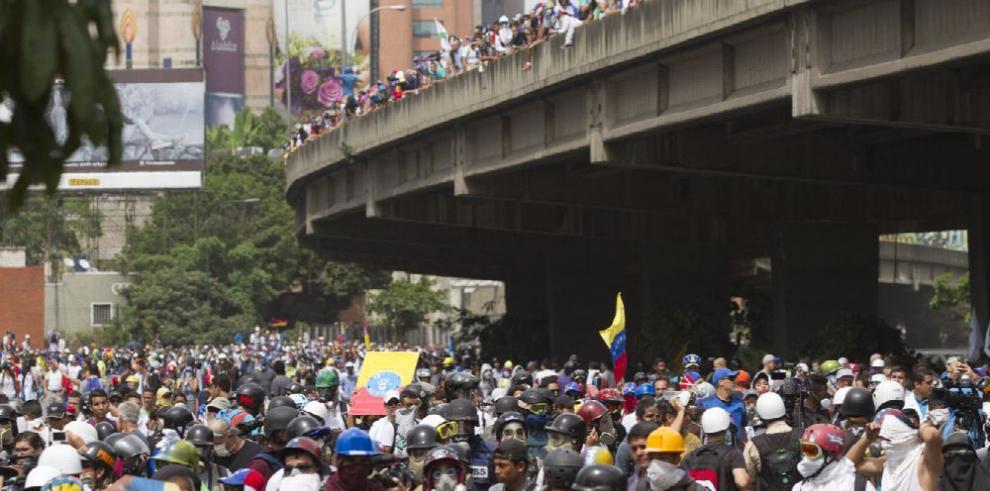 Constituyente polariza más a Venezuela