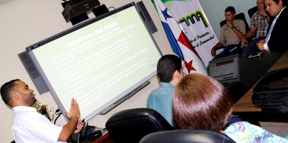 AIG explica la plataforma SIAN ante autoridades agropecuarias