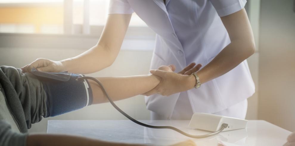 Sancionadas dos enfermeras por transmitir su trabajo en directo por internet
