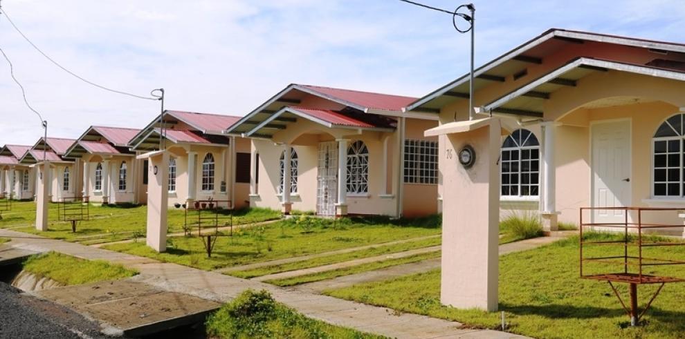 Programas de vivienda impactan a más de 118 mil personas en Panamá