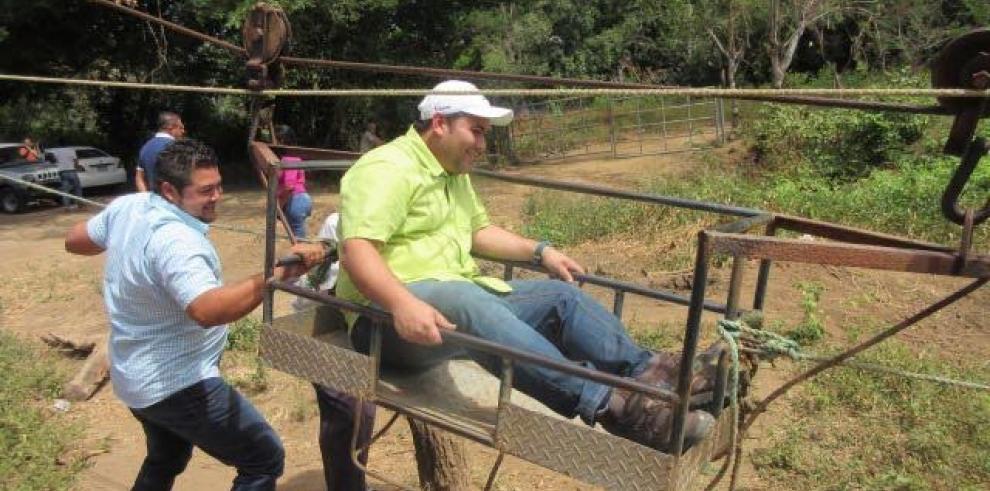 MIVIOT inicia la construcción de puentes colgantes peatonales