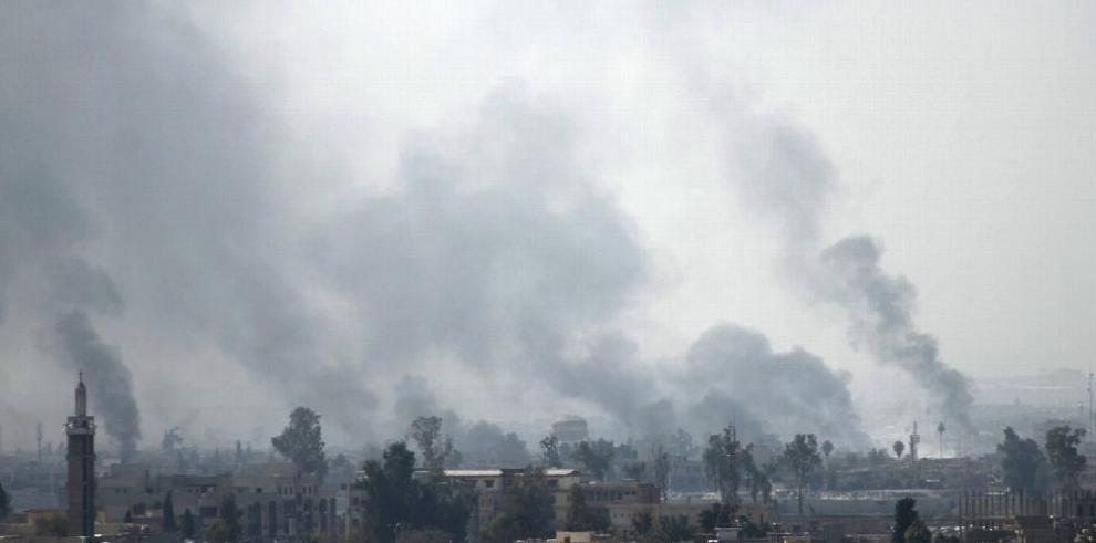 Miles de civiles salen de la ciudad de Mosul por conflicto