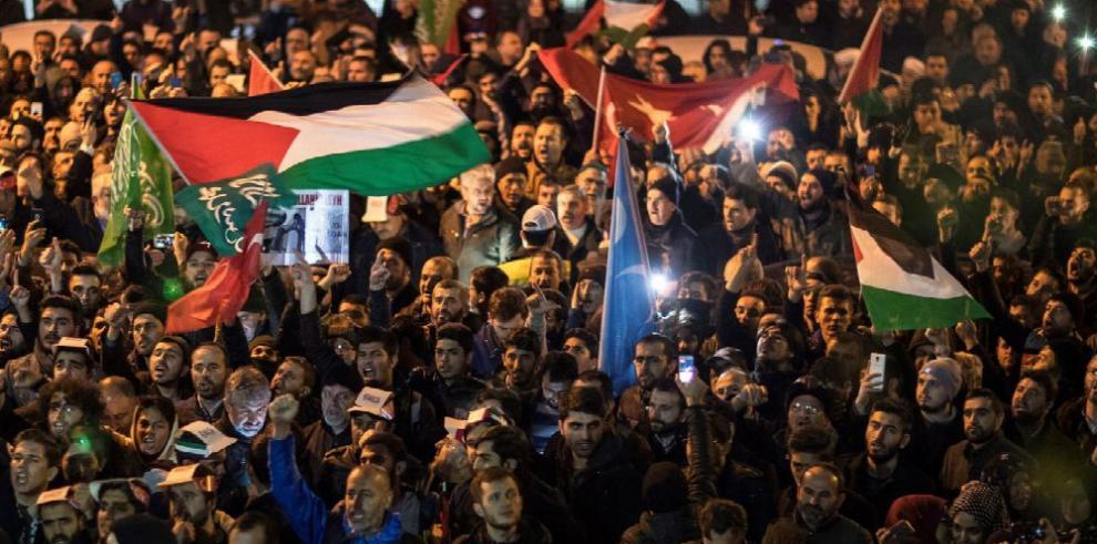 Críticas tras anuncio de Trump sobre el estatus de Jerusalén