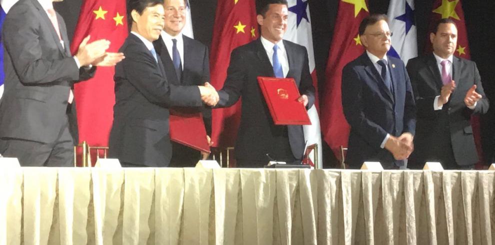 Chinadesarrollaestudios para el sistema ferroviario y muestra interés en TLC