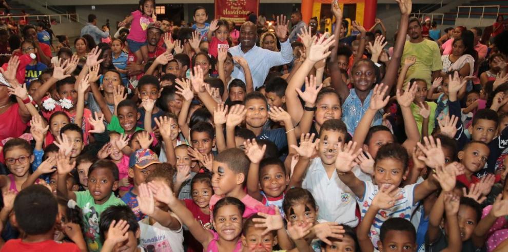 Alcaldía de San Miguelito comparte con más de 800 niños en primera Posada Navideña
