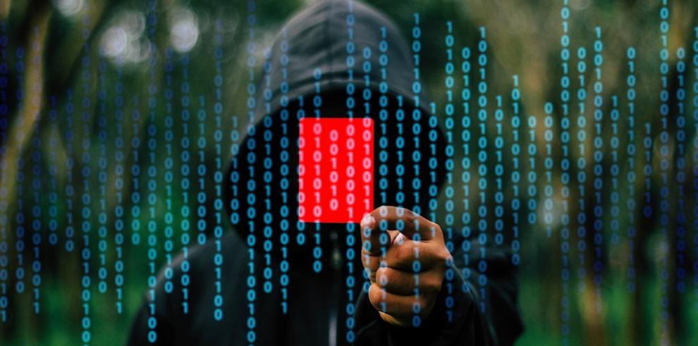 Piratas cibernéticos roban 70 millones de dólares en bitcoines
