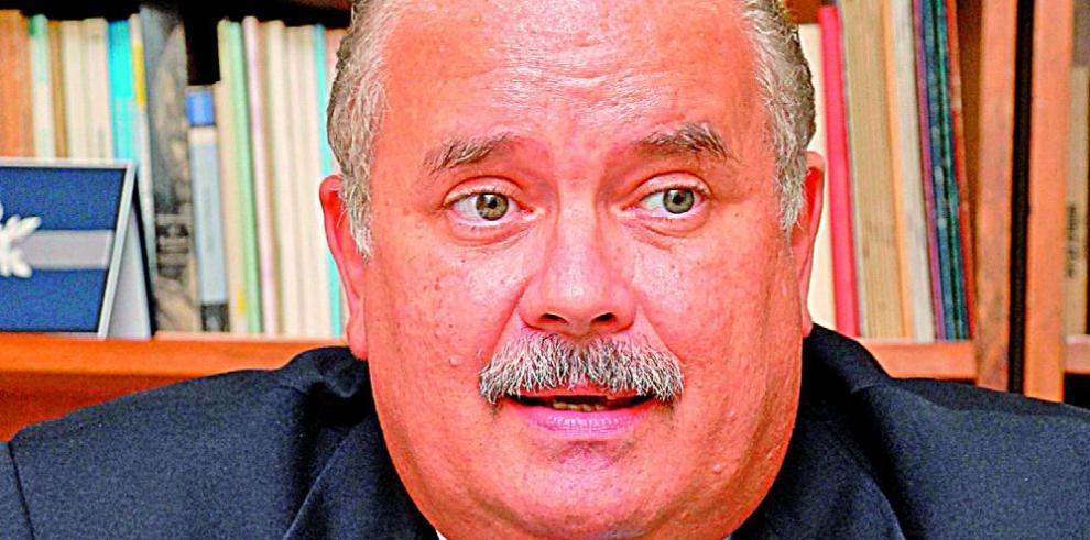 Bernal, en carrera por la candidatura independiente