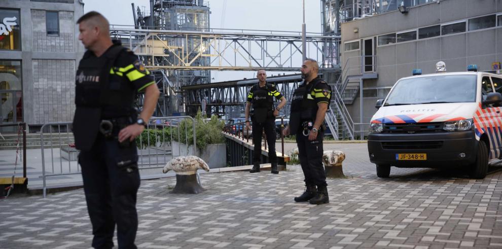 Cancelan concierto en Rotterdam por furgoneta con bombonas de gas