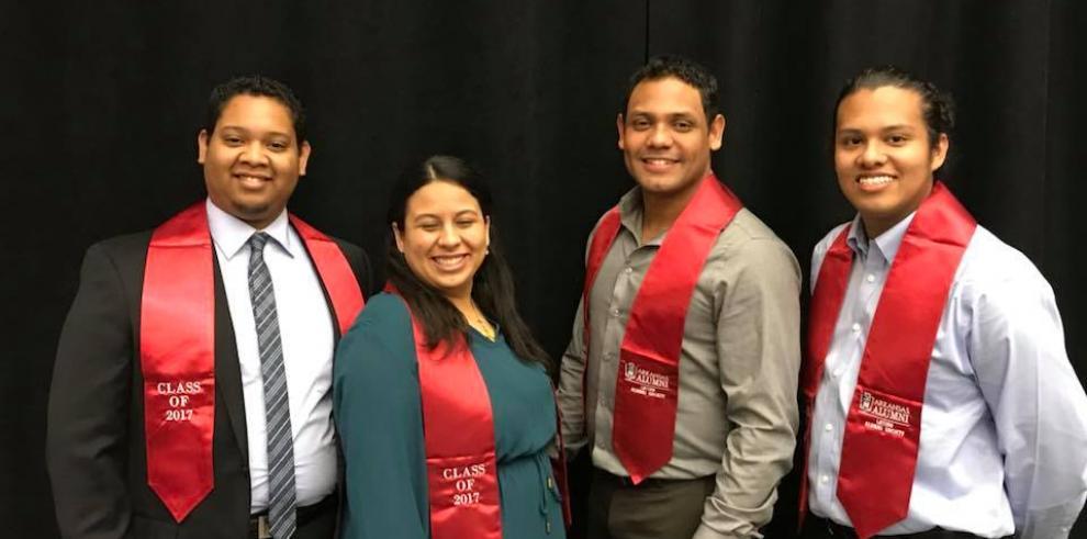 Panameños se gradúan de forma sobresaliente de la Universidad de Arkansas