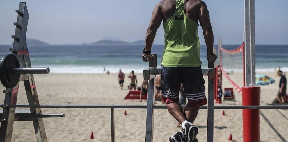 Las playas de Río se convierten en grandes gimnasios al aire libre