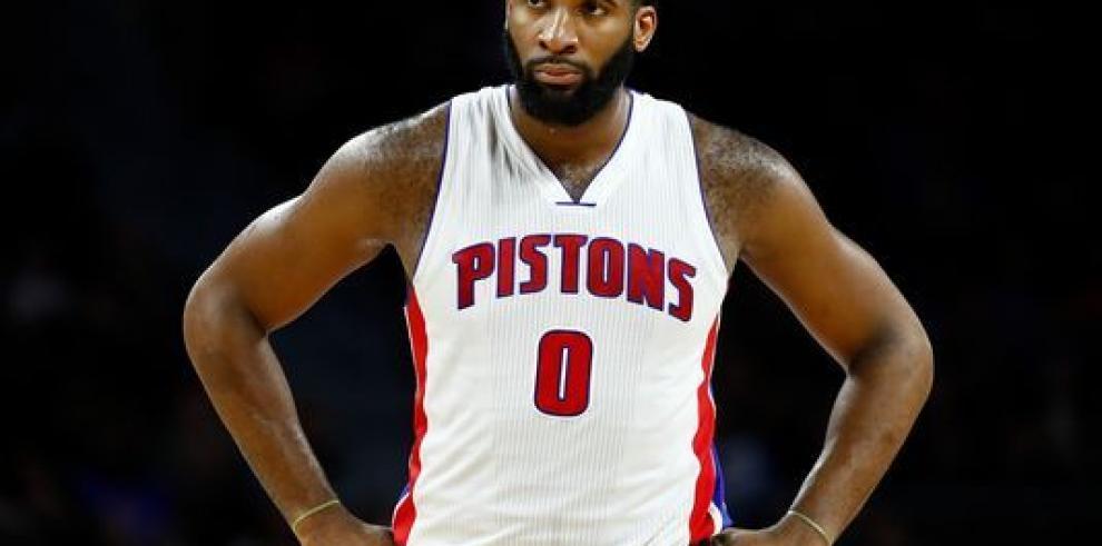 Drummond aporta doble-doble en la victoria de los Pistons