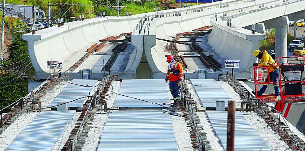 Proyectos del sector público impulsan el crecimiento económico